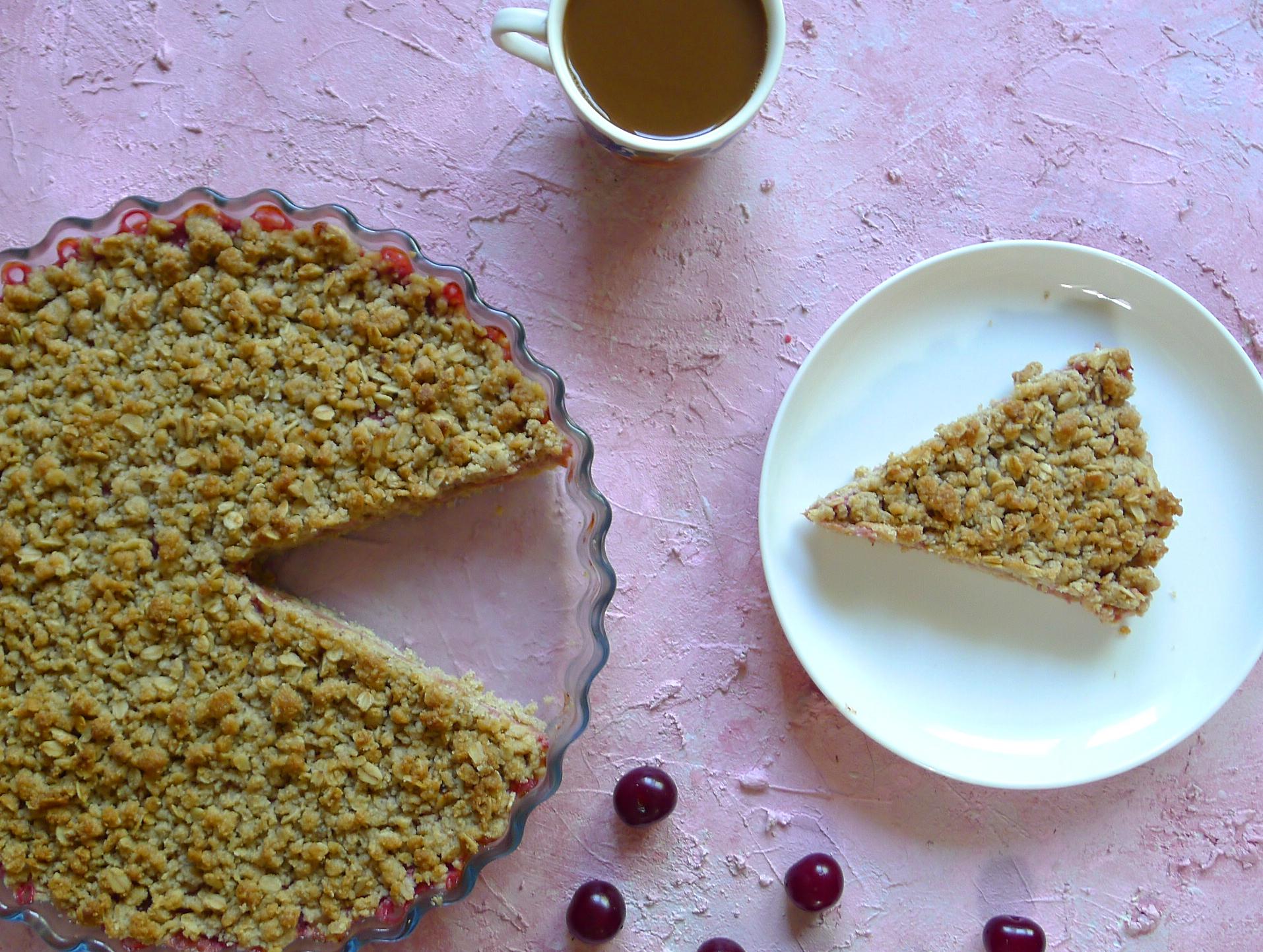 Rabarbarowo wiśniowe crumble bez cukru i mąki